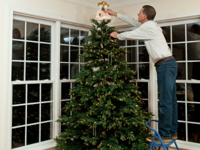 11.12.15 Holiday Tips  New Products Image Tree Decorating