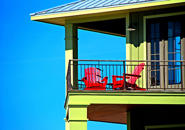 4 Ways to Avoid Asthma and Allergy Triggers When Vacationing in a Summer Rental
